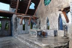 minisdotdaemonflowerdotcom-ruined-church-0010